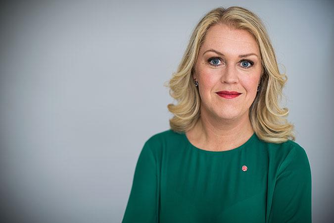 Porträtt av Lena Hallengren